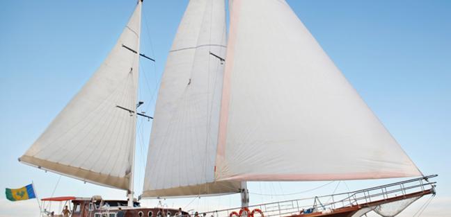 Quasart Charter Yacht