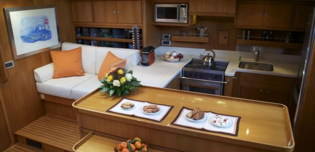 Volador Charter Yacht - 7