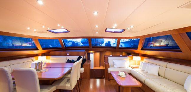 Rapture Charter Yacht - 4
