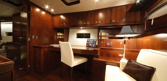 Far and Wide Charter Yacht - 6