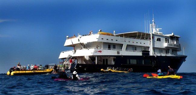 Safari Explorer Charter Yacht - 5