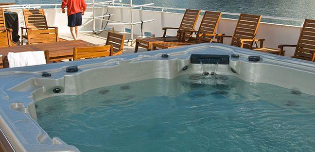 Safari Explorer Charter Yacht - 3