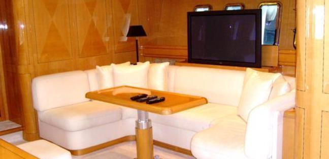 Mr Bizz Charter Yacht - 4