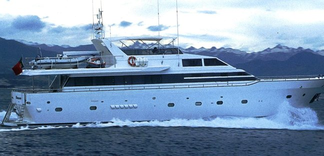Glamour Charter Yacht