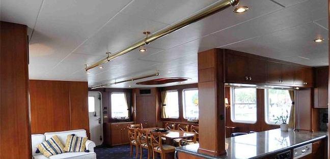 Devils Advocate Charter Yacht - 4