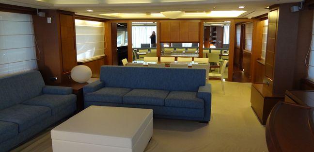 La Rubia Charter Yacht - 4