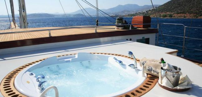Loretta Charter Yacht - 2