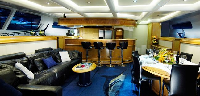 Ultimate Lady Charter Yacht - 8