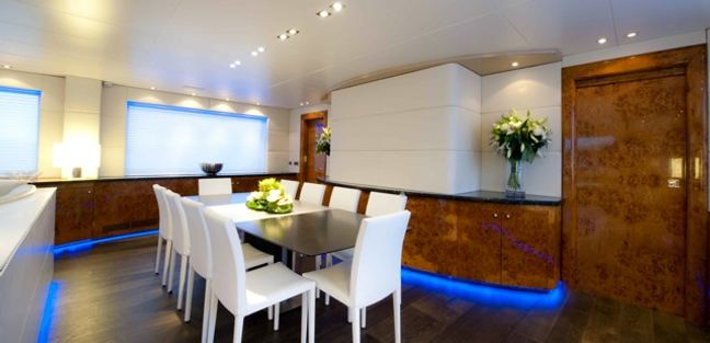Palm B Charter Yacht - 8