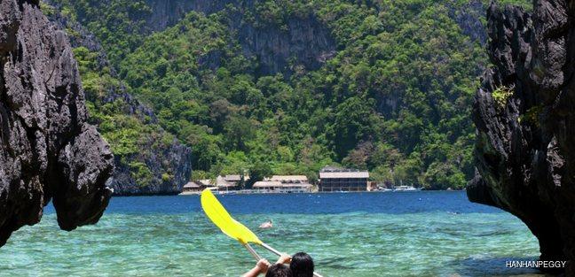 Couple in yellow kayak