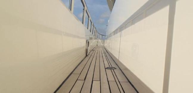 Watch Aft Charter Yacht - 7