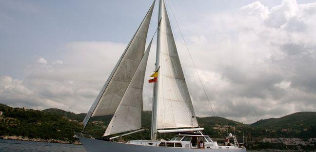 August Maverick Charter Yacht - 2