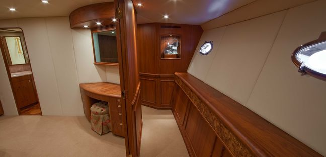 Snaproll Charter Yacht - 2