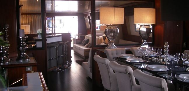 Queen South Charter Yacht - 7