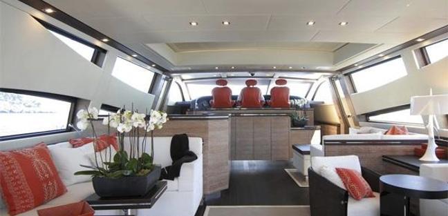 Yolo Charter Yacht - 4