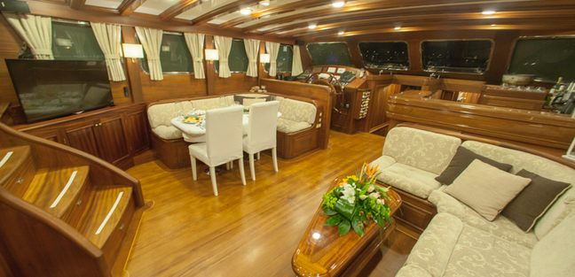 Clarissa Charter Yacht - 7