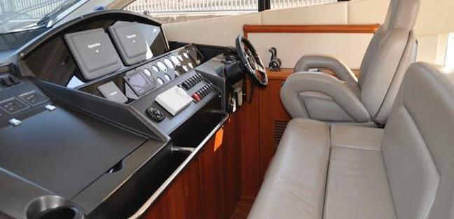 Mr Bizz Charter Yacht - 2
