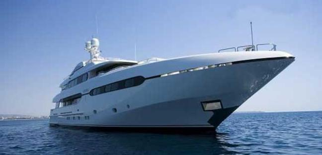 Atom Charter Yacht - 2