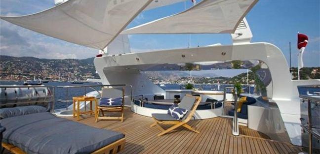 Yolo Charter Yacht - 2