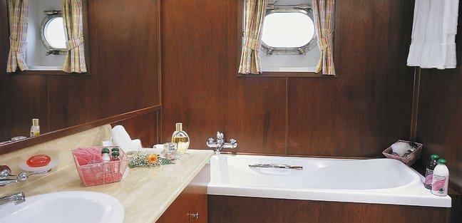 Paloma Charter Yacht - 8
