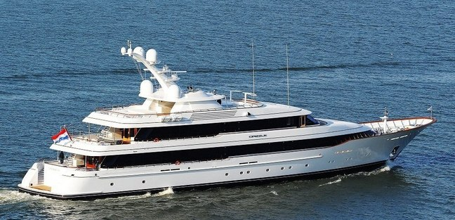 Drizzle Charter Yacht - 3