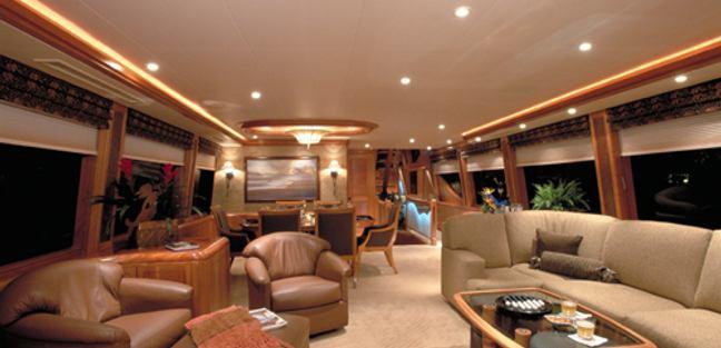 Besame Charter Yacht - 2