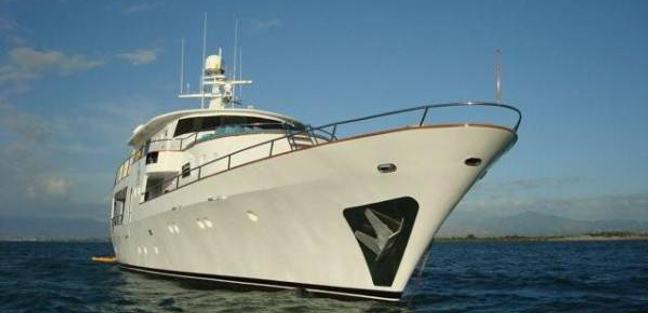 Casabella Charter Yacht - 2