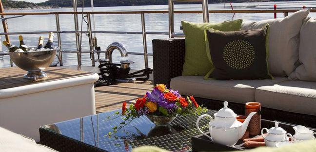 Sunny Hill Charter Yacht - 4