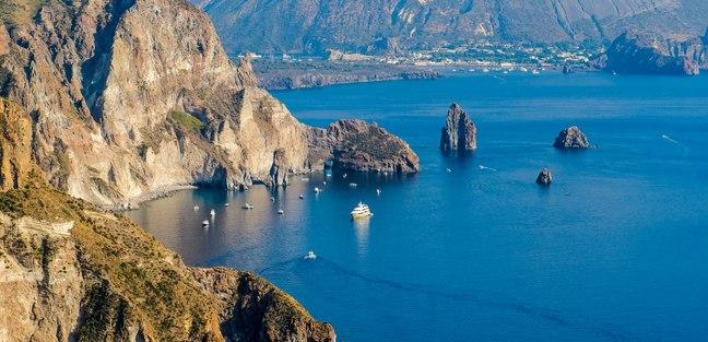 Aeolian Islands photo 2
