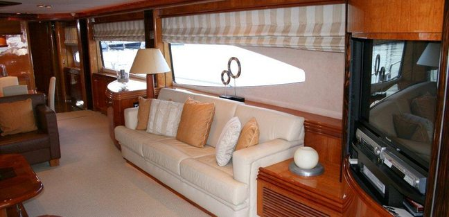 Happy Charter Yacht - 6