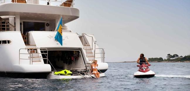 Palm B Charter Yacht - 4