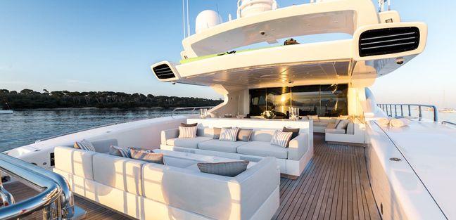 Beachouse Charter Yacht - 4