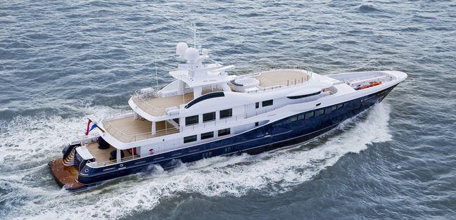 La Familia Charter Yacht - 3