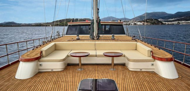 Dragon Fly Charter Yacht - 3