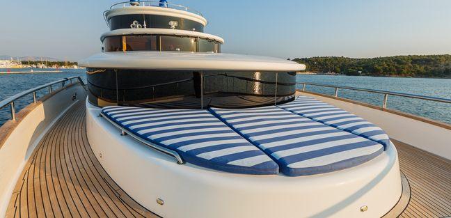 Johnson Baby Charter Yacht - 2