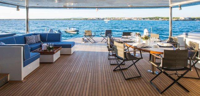 Cartouche Charter Yacht - 4