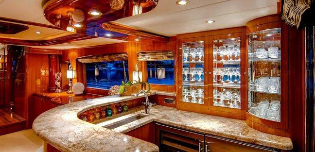 Papa's Palace Charter Yacht - 5