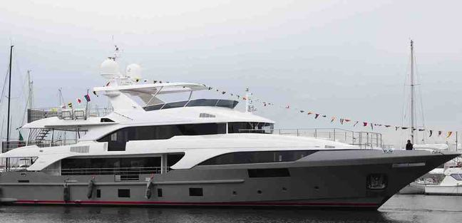 Hemabejo 3 Charter Yacht