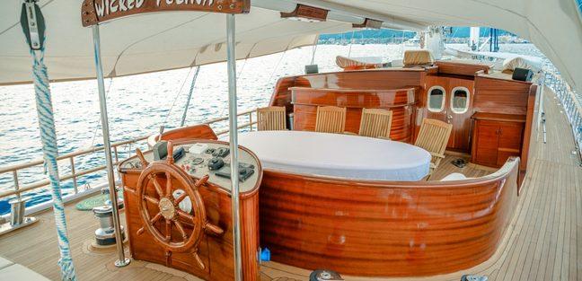Wicked Felina Charter Yacht - 4