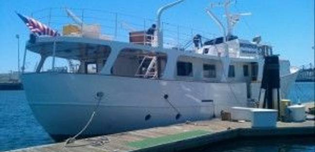Island Waters Charter Yacht - 3