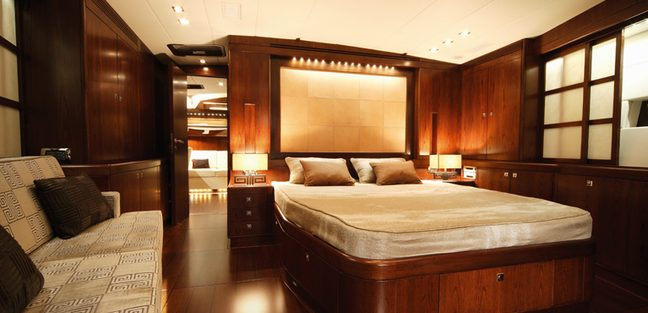 Far and Wide Charter Yacht - 8