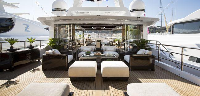 Illusion V Charter Yacht - 3