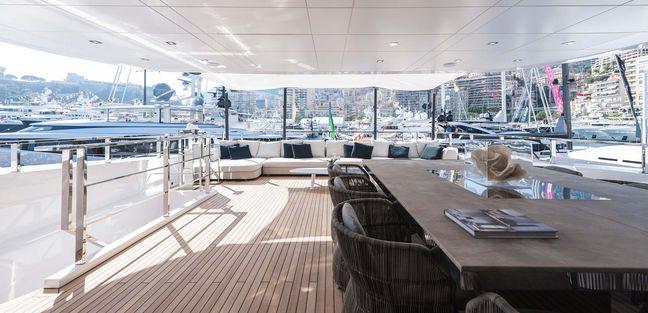 Entourage Charter Yacht - 4