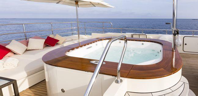Beverley Charter Yacht - 3