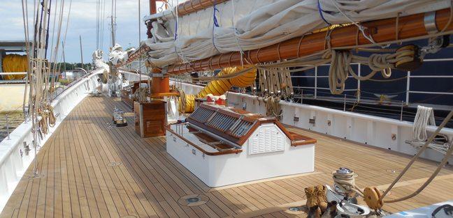Columbia Charter Yacht - 3