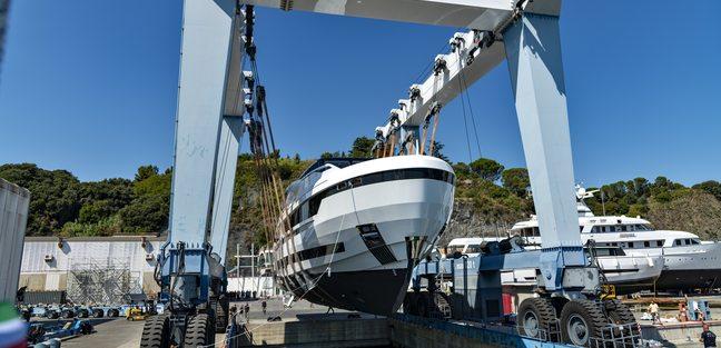 L.A.U.L Charter Yacht - 6