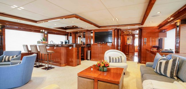 Aspen Alternative Charter Yacht - 8