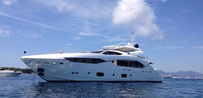 No.9 of London Charter Yacht