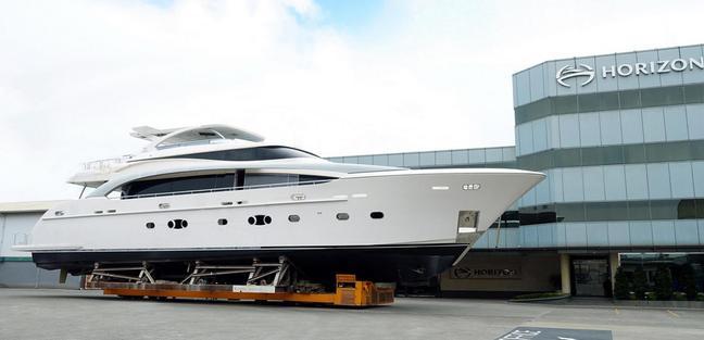 RP110 /04 Charter Yacht - 2