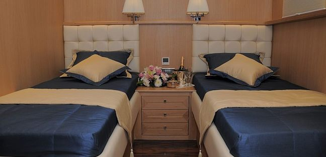Blue Heaven Charter Yacht - 8